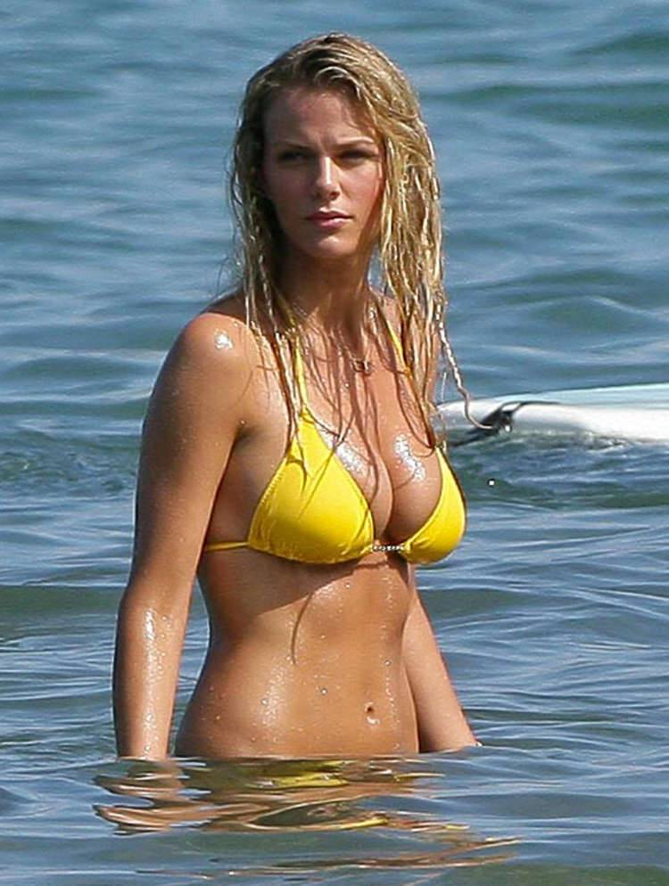 brooklyn-decker-bikini-13 | 66339 | Photos | The Blemish Brooklyn Decker
