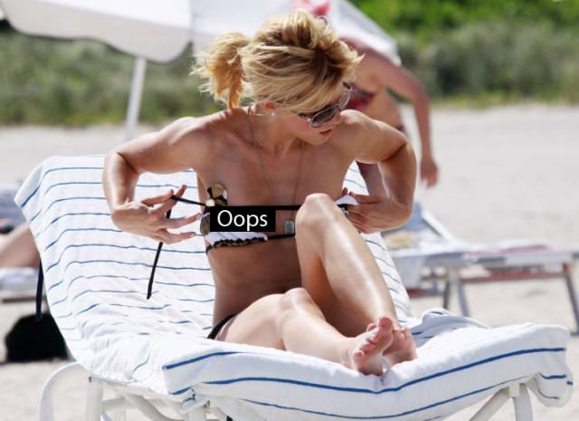 смотреть фото случайных оголений женщин