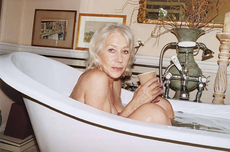Старые женщины голые в разных местах  93187