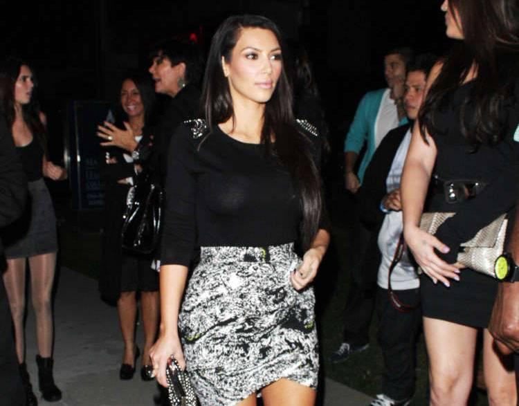 kardashian hollywood dating Kourtney kardashian's got no problems with her ex dating someone kourtney kardashian scott disick sofia richie exclusive couples dating hollywood.