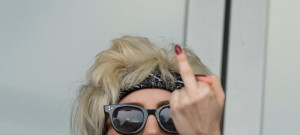 lady-gaga-finger