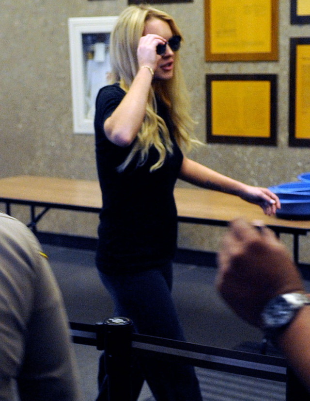 lindsay-lohan-court-security1
