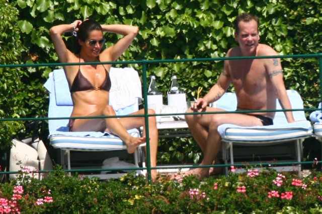 Kiefer Sutherland Knows How To Show A Girl A Good Time