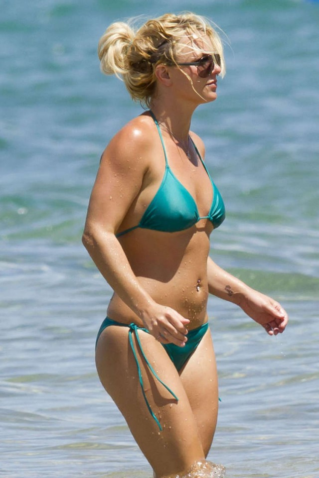 Britney Spears went for a swim | 74367 | Photos | The Blemish Spears