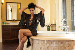 emmanuelle-chriqui-total-package-031