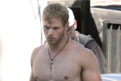kellan-lutz-shirtless