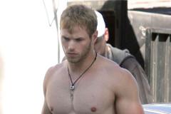 kellan-lutz-shirtless