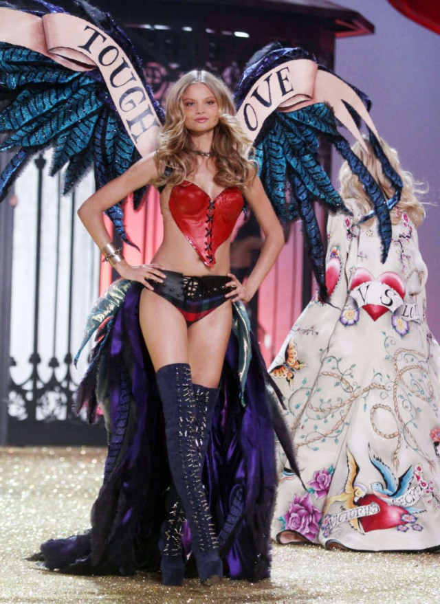 The Victorias Secret Fashion Show Goes International!