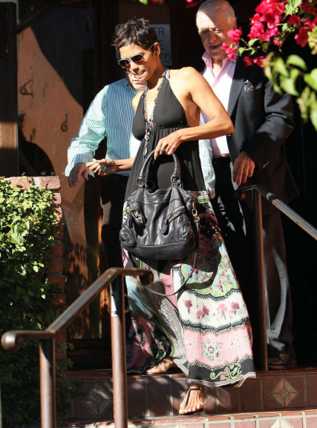 Halle Berry Shops Her Afternoon Away