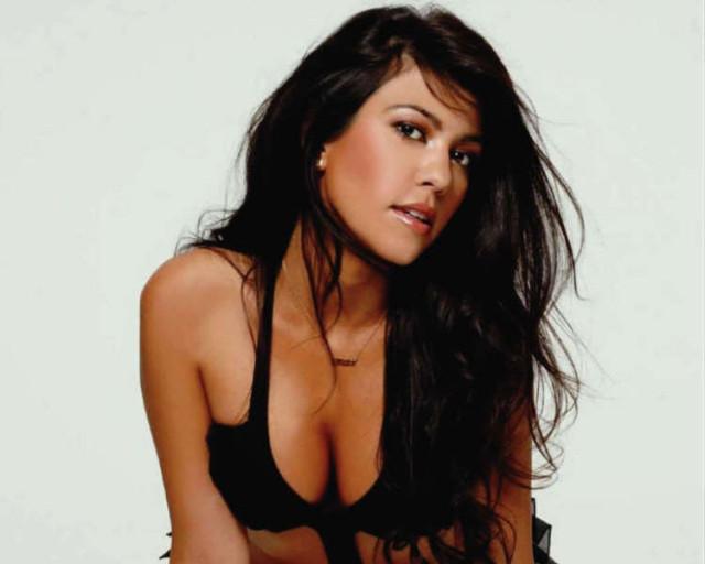 Kourtney Kardashian Is In Maxim India The Blemish