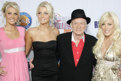 hugh-hefner-blondes