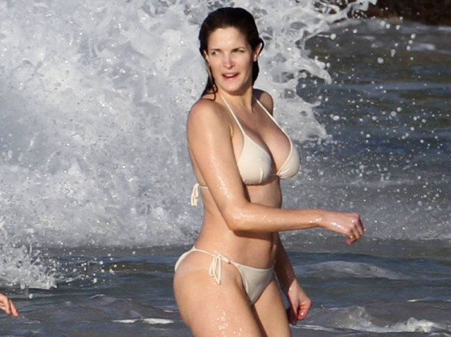 stephanie-seymour-beach