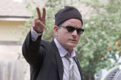 charlie-sheen-peace