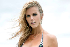 brooklyn-decker-si1