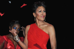 robin-roberts-red