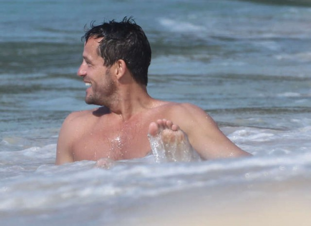 Courteney Cox And Josh Hopkins Continue Platonic Getaway