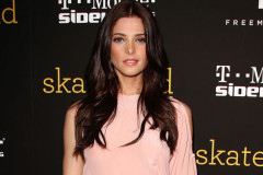 ashley-greene-skateland