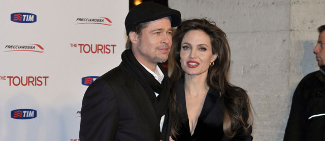 brad-angelina-tourist