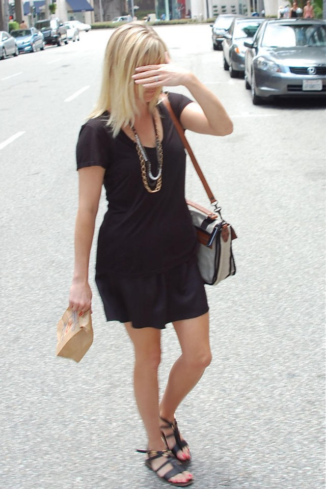 Reese Witherspoon Preg... Reese Witherspoon