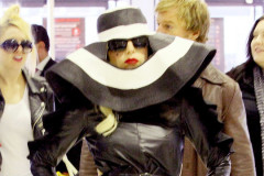 20110726-lady-gaga-airport