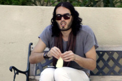 20110803-russell-brand-eat