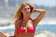 0909-brandi-glanville-bikini