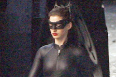 0926-anne-hathaway-catwoman