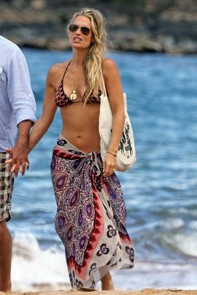 Molly Sims And Scott Struber Honeymoon In Maui 98667