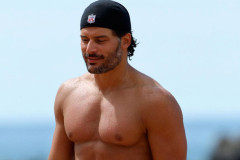 1019-joe-manganiello-beach