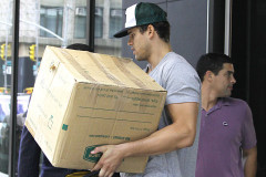 1021-kris-humphries-move