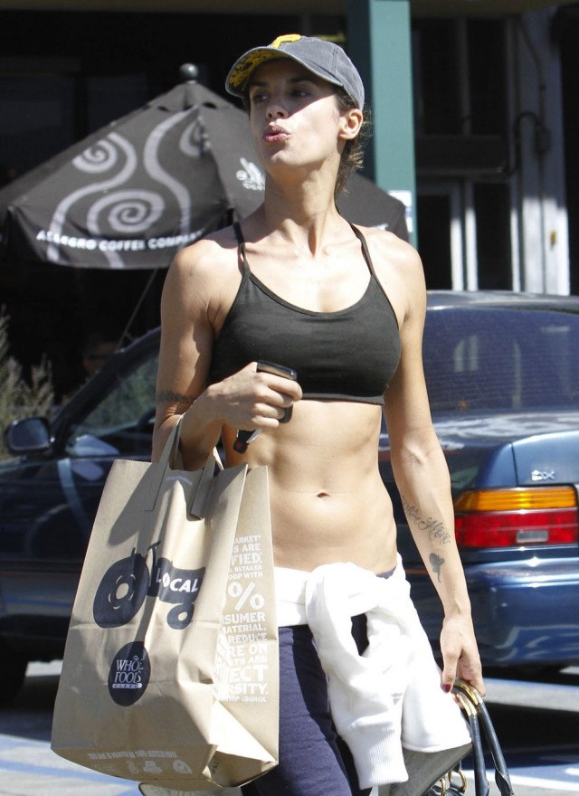 Elisabetta Canalis shows off her abs