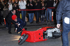 1118-regis-philbin-crash
