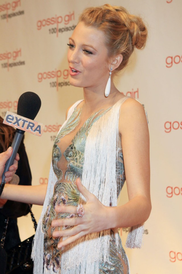 blake lively at the gossip girl 100th episode party