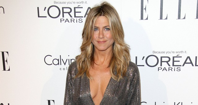 1223-jennifer-aniston-elle