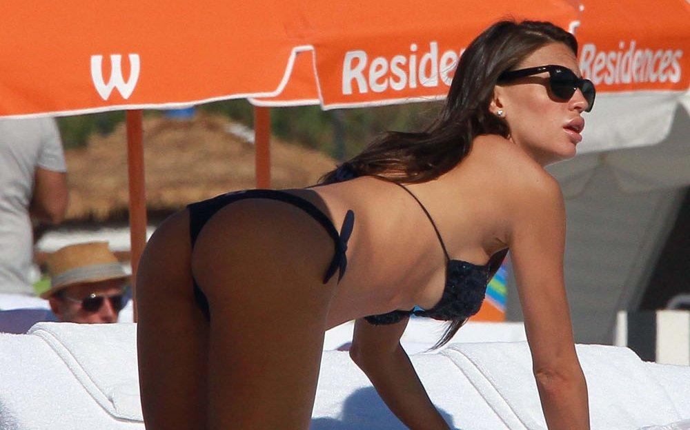 1226-claudia-galanti-beach