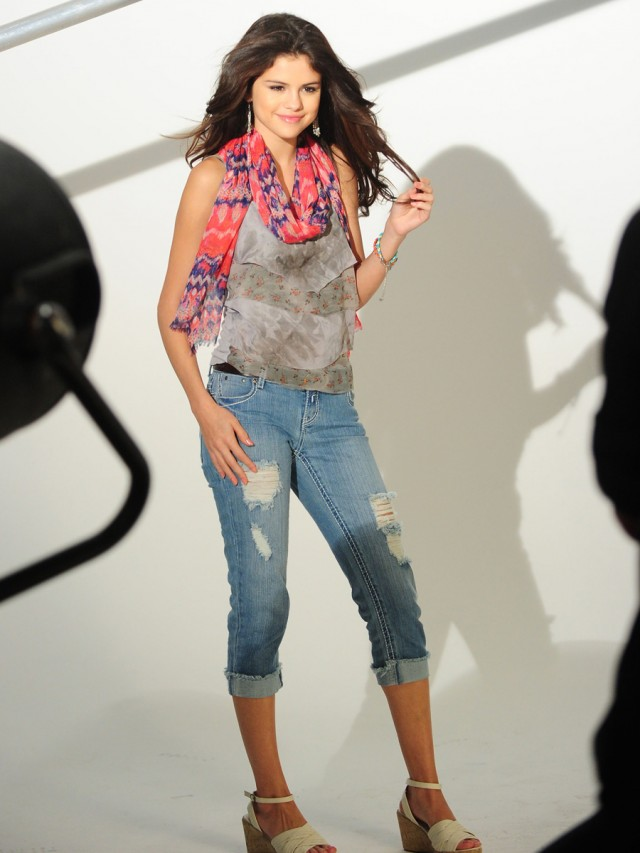 Selena Gomez's Dream Out Loud Shoot