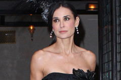 0125-demi-moore-black
