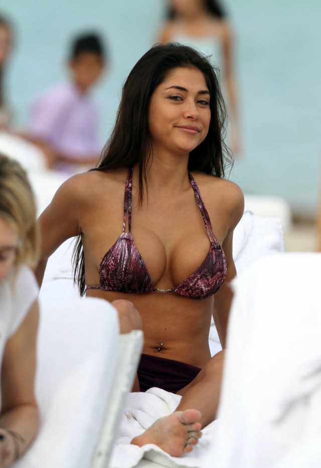 Arianny Celeste in a purple bikini in Miami