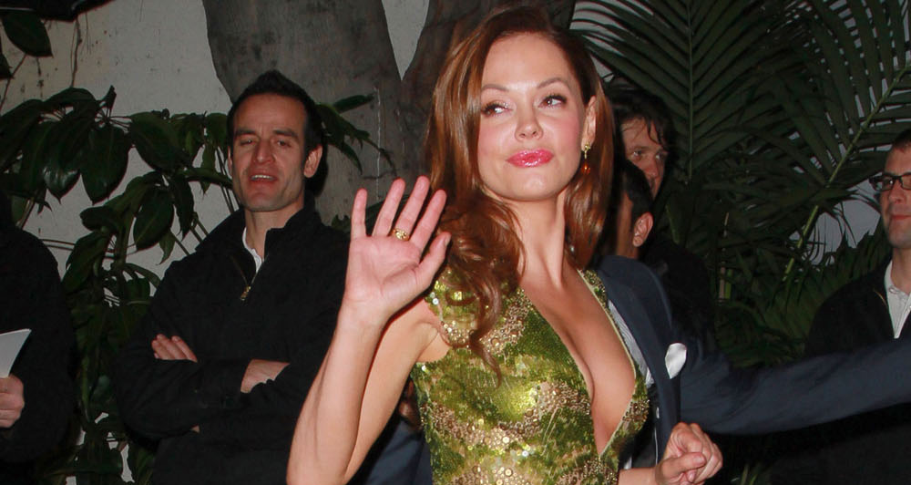 0223-rose-mcgowan-cleavage