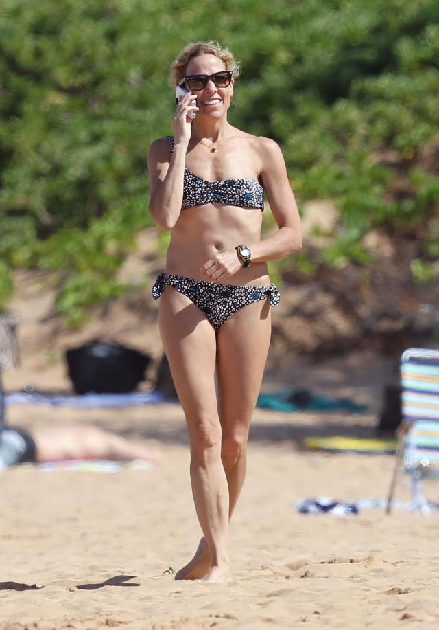 Stunning bikini body on this girl - 3 4