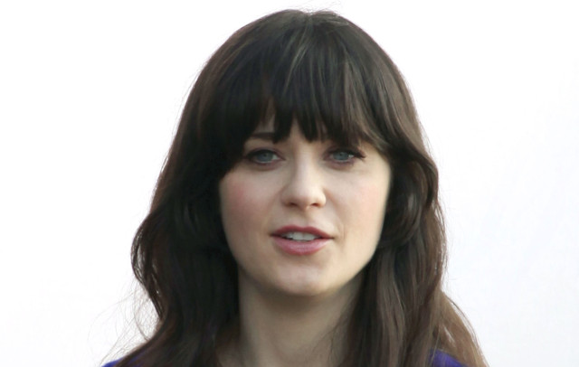 0307-zooey-deschanel-filming