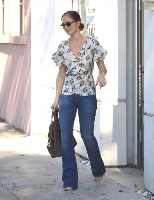 Minka Kelly Gets Lunch With A Friend