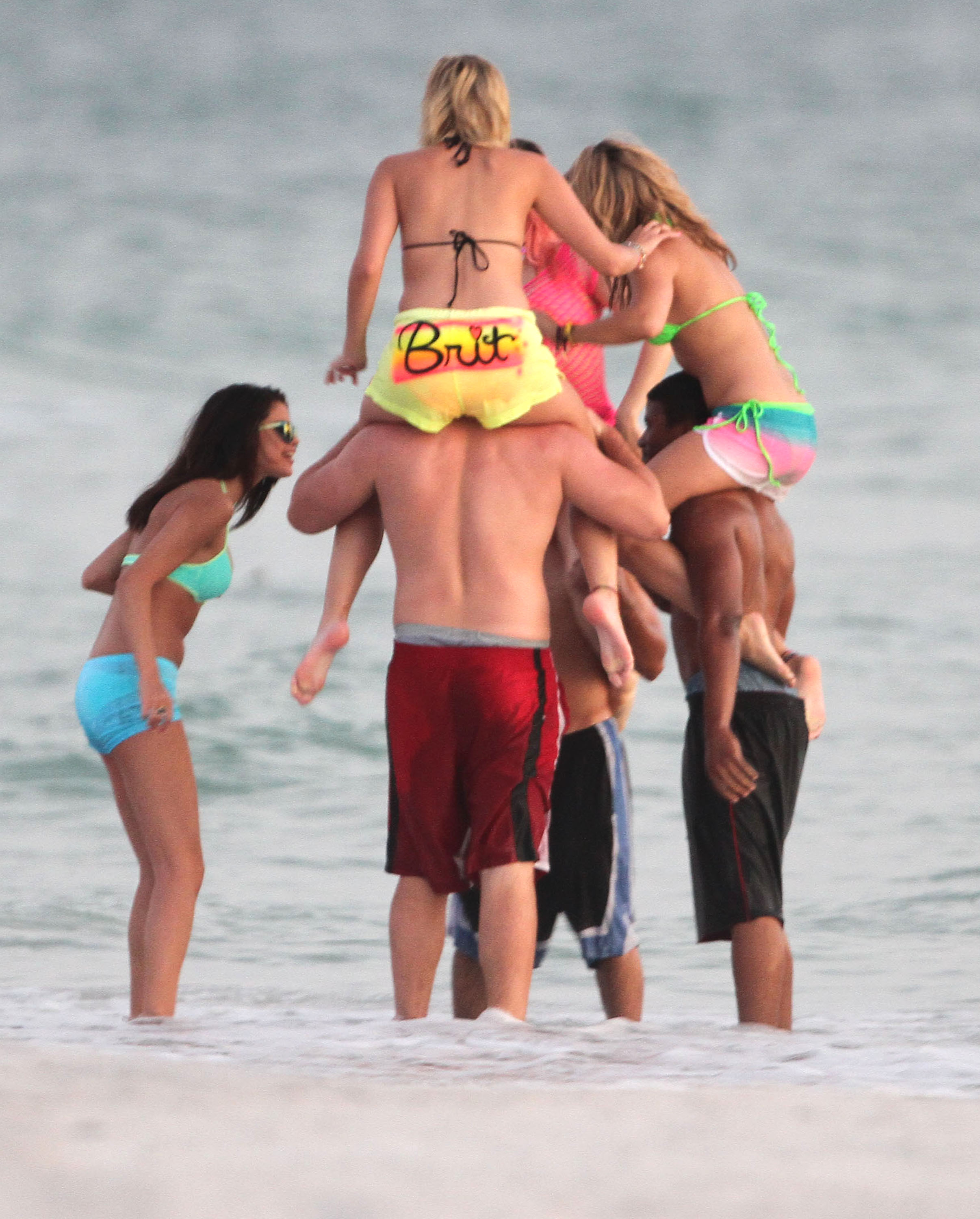 Vanessa, Ashley And Selena Filming 'Spring Breakers' On The Beach