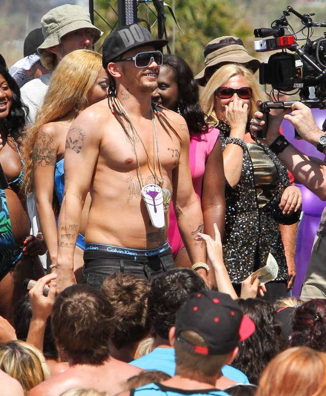 "Ashley, Selena & James Franco Film ""Spring Breakers"""