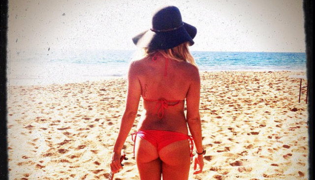 ashley-tisdale-bikini-0326