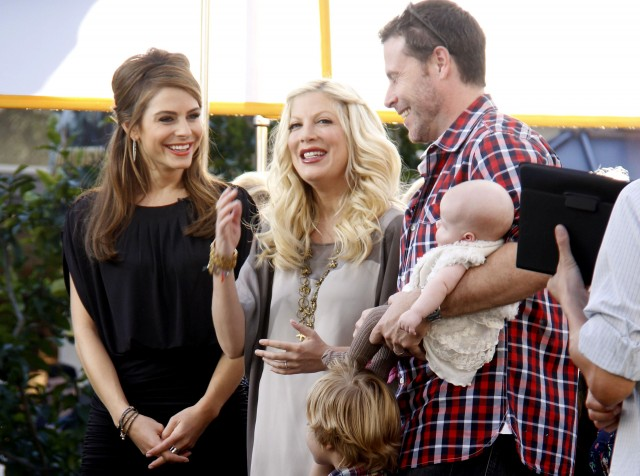 Tori Spelling And Family Interviewed On Extra