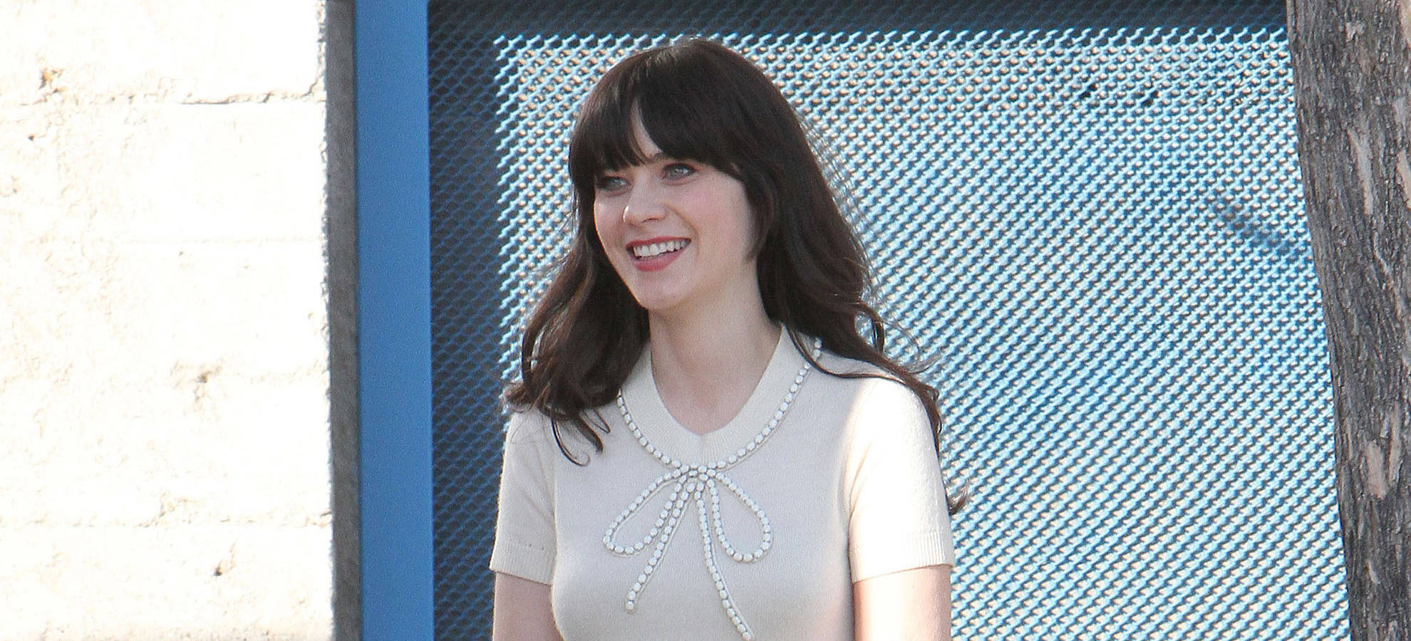 Emily Deschanel Was a Kind Sister to Zooey | The Blemish