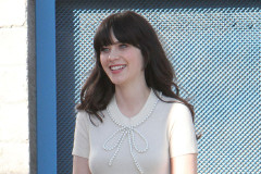 zooey-deschanel-films-new-girl-0329