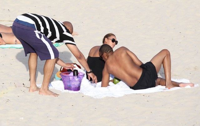 Beyonce And Jay-Z Relax On The Beach