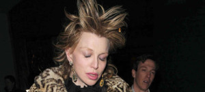 courtney-love-london-0416